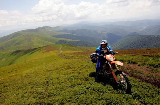 9 rzeczy, za które kocham podróże motocyklowe (fot. motovoyager.net)