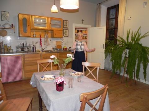 W kuchni króluje gospodyni księdza,