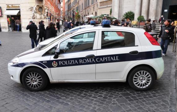 Policía irrumpe una orgía gay con drogas de sacerdotes del Vaticano