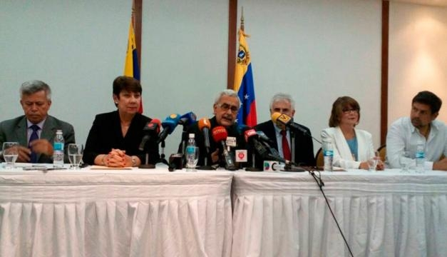 Rectora Cecilia Arocha dio los resultados del plebiscito