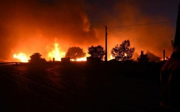 Incendies : Marseille menacée par le feu dans ses quartiers nord