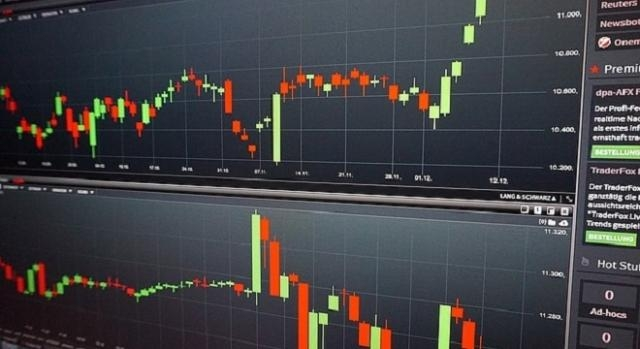 forex trading platform credits:pixbay https://pixabay.com/en/chart-trading-courses-analysis-1942058/