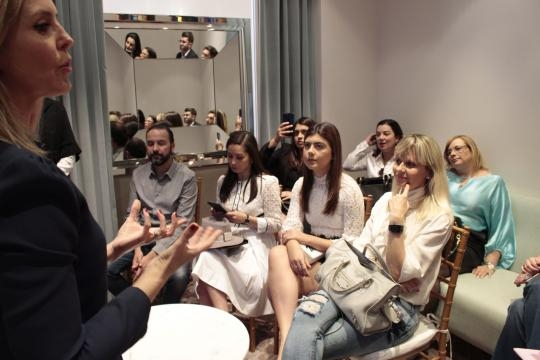 Luciana Marsicano fala sobre a Tiffany para convidados ilustres