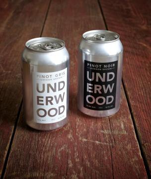 Vino en lata, la nueva forma de beber un buen vino (foto: the bold italic)