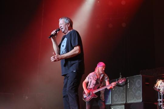 Ian Gillan e o baixista Roger Glover