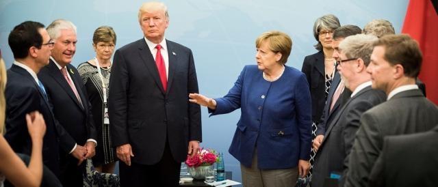 Donald Trump al centro della scena del G20, in certi frangenti è stato 'solo contro tutti'