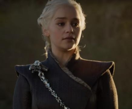 Daenerys (Emilia Clarke) forces Lannister army to join her in