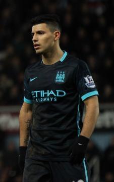 Sergio Aguero Man City by Vikipeedia