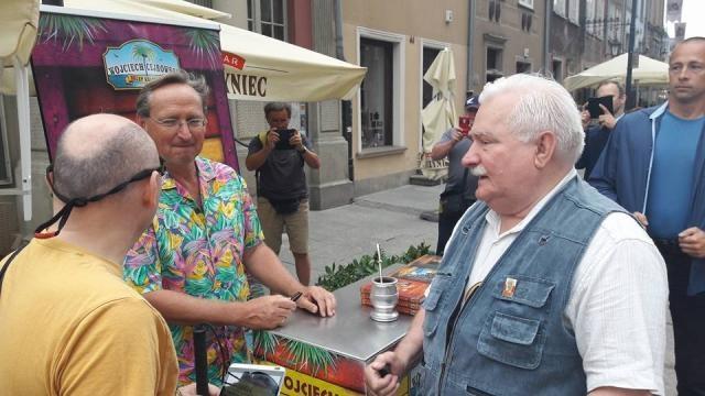 Wojciech Cejrowski i Lech Wałęsa (źródło: facebook.com).