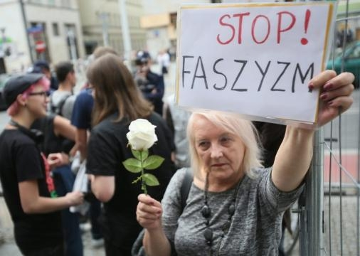 Obywatele RP blokowali marsz w Warszawie (fot. dorzeczy.pl)