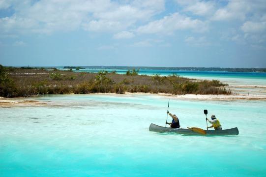 Esta en Bacalar, Quintana Roo, se le conoce como la laguna de los ... - pinterest.com
