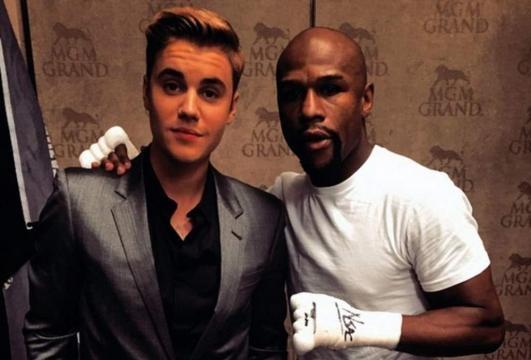 El cantante y el boxeador cuando eran amigos