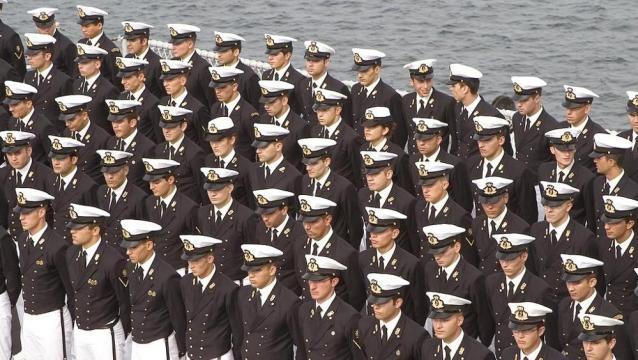 Un giorno da allievo ufficiale della Marina militare italiana - La ... - lastampa.it