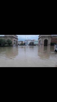 Allagamento incredibile in una zona di Livorno.