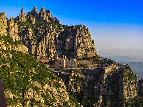 Los misterios ocultos de la Montaña de Montserrat - Enigmaps - enigmaps.com