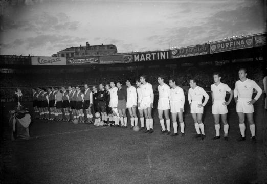 Real Madrid e Stade Reims in campo a Parigi nella prima finale di Coppa dei Campioni, il 13 giugno 1956