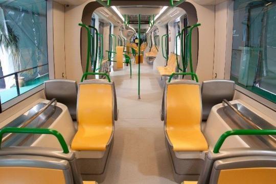 Vagón del metropolitano de Granada