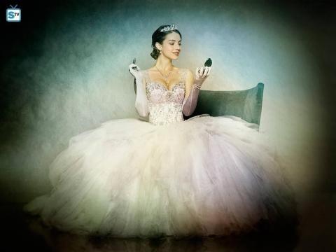 Adelaide Kane as Drizella/Ivy (via eonline.com)