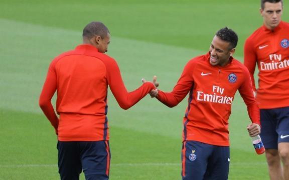 Mbappé et Neymar pour leur premier entrainement