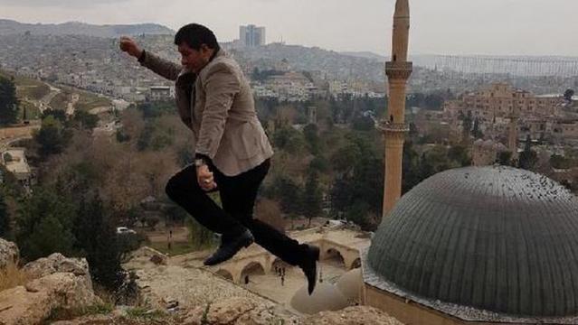 O desastre ocorreu no dia do aniversário do homem turco (Crédito: Hürriyet)