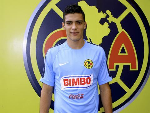 Raúl Jiménez volvería a vestir la playera de las Águilas
