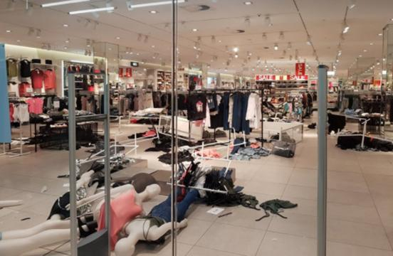 H&M Stores in South Africa trashed by EFF - Image by S. Michael Guthrie - used with permission.