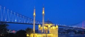 Ortaköy: barquitas, mezquita y puente