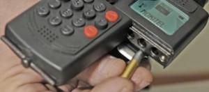 Caricamento della pistola-cellulare