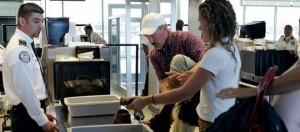 Controllo effetti personali in aeroporto