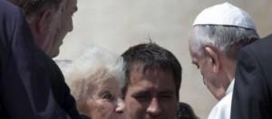 Encuentro del Papa Francisco con Estela.