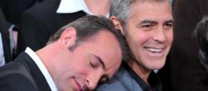Jean Dujardin apoya su cabeza en George Clooney