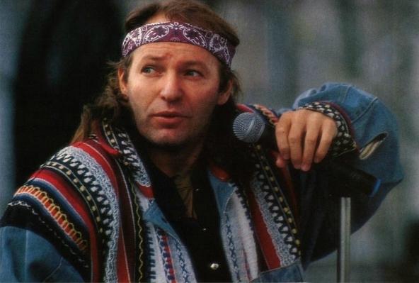 Vasco in una foto di un concerto del 1989.