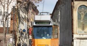Il tram che passa per le Colonne di San Lorenzo