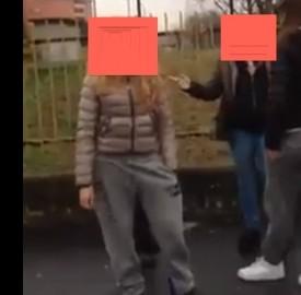 Il video dell'aggressione ai danni di una ragazza
