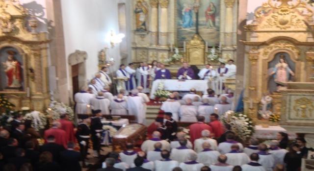 Aspeto da celebração exequial Padre Amorim