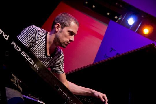 John Screet, pianista del grupo de Antonio Sánchez