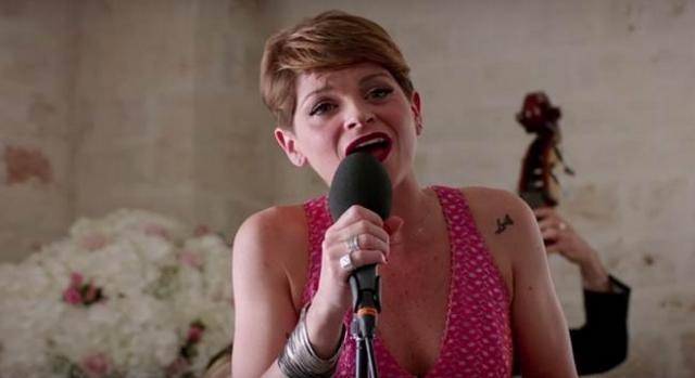 Alessandra Amoroso canta in