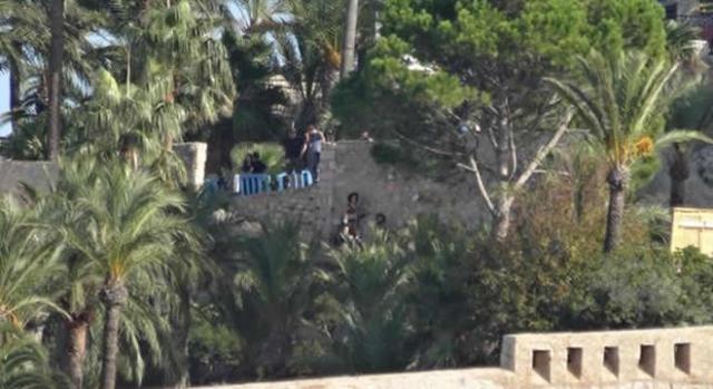 Tyrion y Missande a lo lejos en Peñíscola