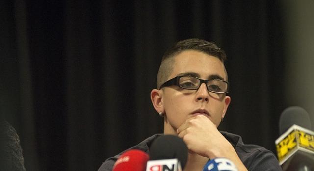 El activista Alfon en rueda de prensa