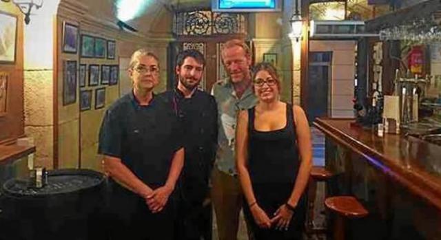 Iain Glen cenó en el restaurante La Encina