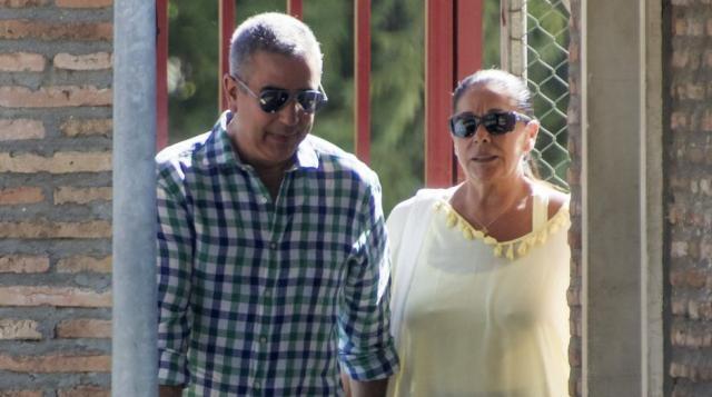 Isabel Pantoja saliendo de la cárcel