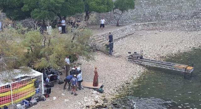 Lena Headey grabando en la muralla de Dubrovnik