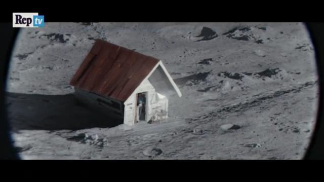 L'anziano che vive solo sulla luna