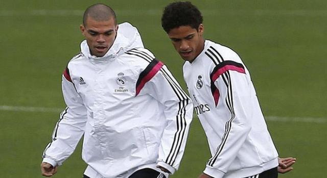 Pepe y Varane, entrenado con el Real Madrid