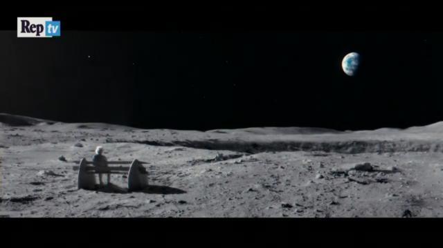 Splendida immagine del paesaggio lunare