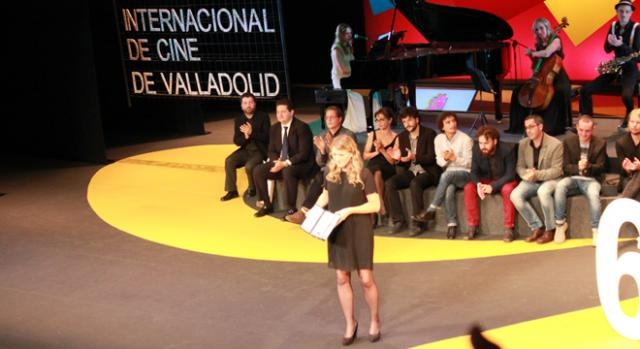 Clara Roquet recogiendo la Espiga de Oro