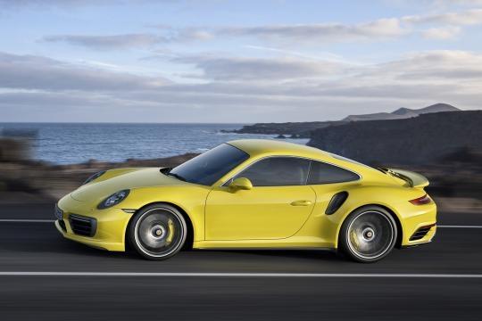 profilo della nuova porsche 911 con DYnamic Boost