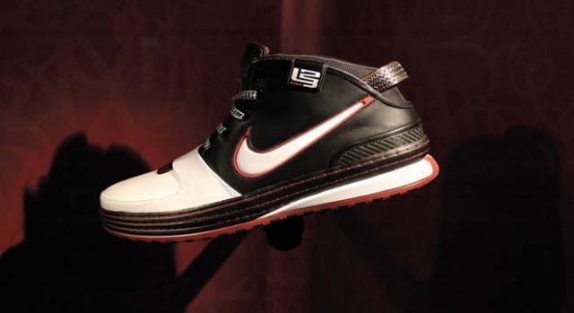 Lebron Nike deal set to earn him 500 M dollars.