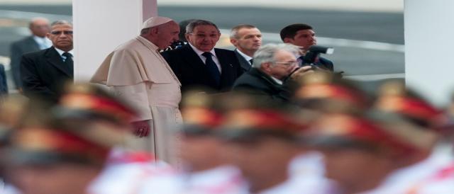 Raúl Castro recibió en Cuba al Papa Francisco