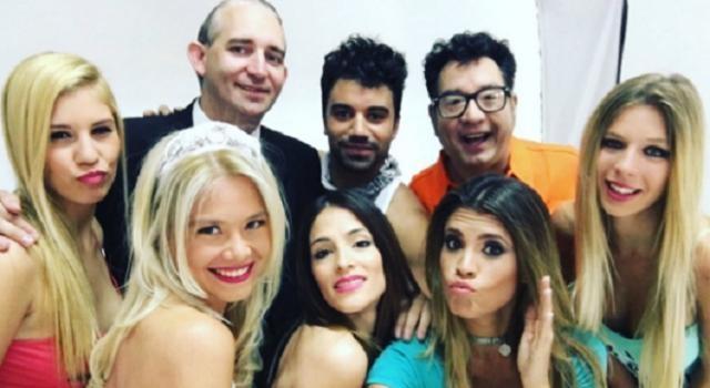 Romina junto al elenco de 'Joya, nunca taxi'